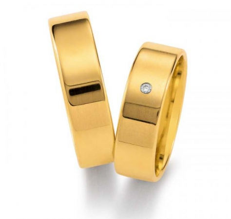 Klassische Eheringe aus glänzendem Gelbgold