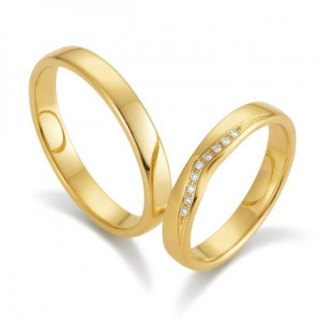 Wunderschöne Eheringe aus 375er Gold von August Gerstner